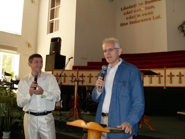 Viorel Iuga, pastorul Bisericii Speranţa din Arad, la Isus Salvatorul, Chişinău.