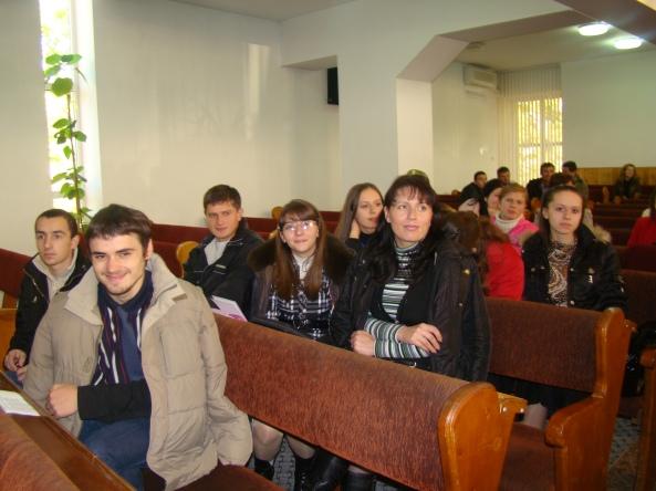 """Tinerii din Biserica """"Sion"""" Ungheni"""