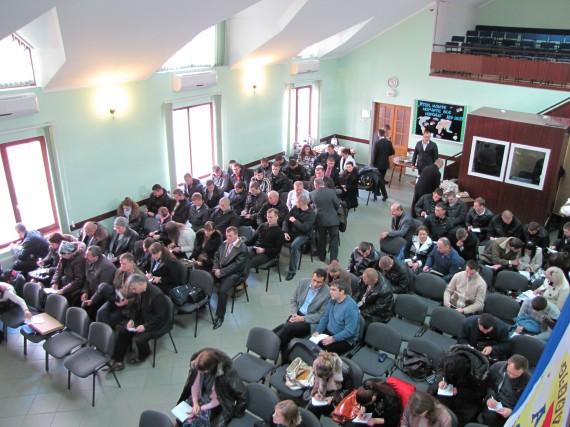 Participanţii la conferinţa poliţiştilor creştini.